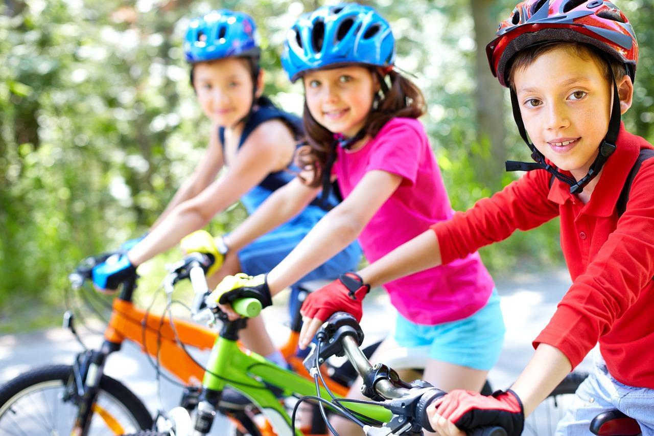 Ocio afición hobbies y entretenimiento. El ciclismo es un deporte muy completo y para todas las edades.