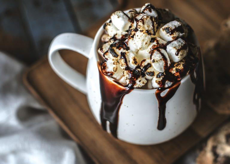 Recetas de postres con chocolate caliente.