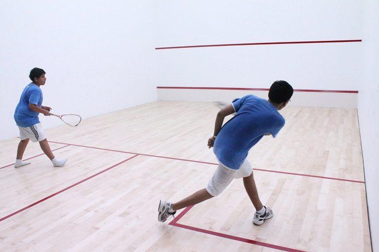 Squash es uno de los mejores depotes para mejorar tu capacidad cardiovascular.