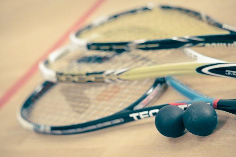 El squash es un deporte de los más completos.