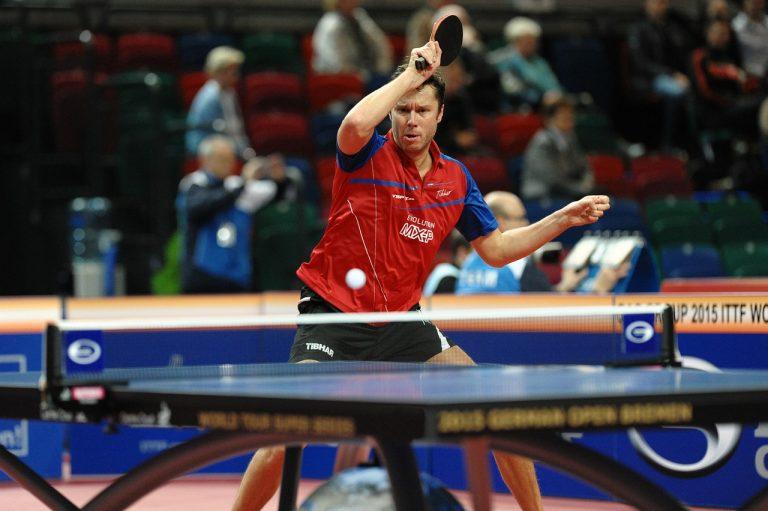 Práctica del ping pong. Tenis de mesa como afición.