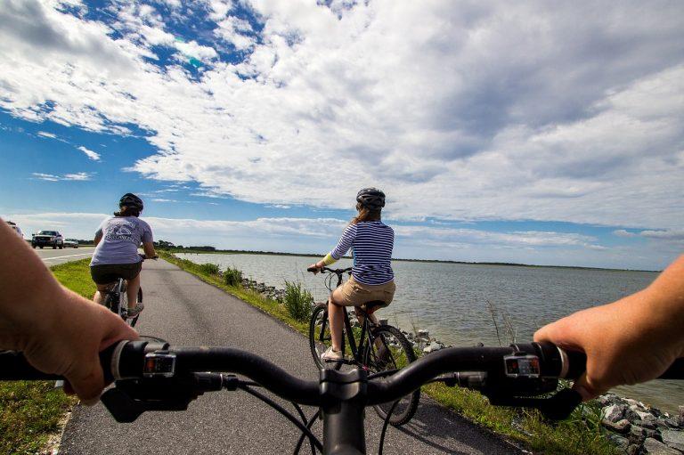 El ciclismo es una afición saludable y apta para todos.
